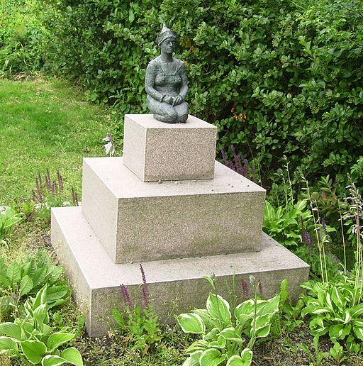 Meditation sculpture